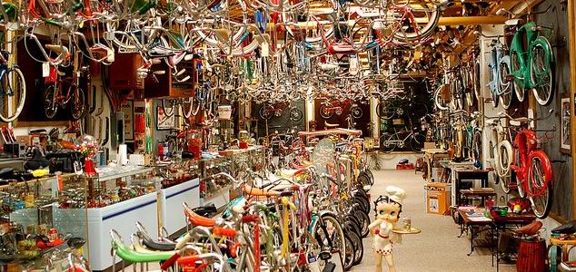 Kerékpáros Ruházat és Túrafelszerelés